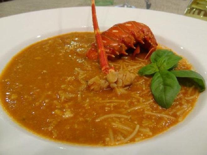 spgahetti brodo aragosta piatto tipico trapani