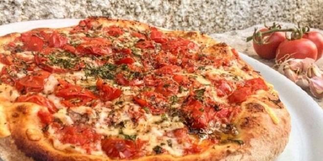 pizza rianata tipica trapani